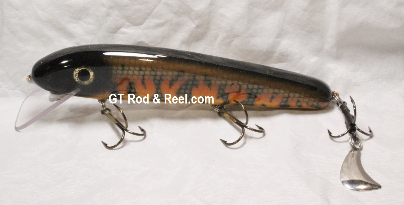 "Pearson Plugs 8"" Minnow Shallow Diving with Hatchet Trailer  Color, Hot Muskie"