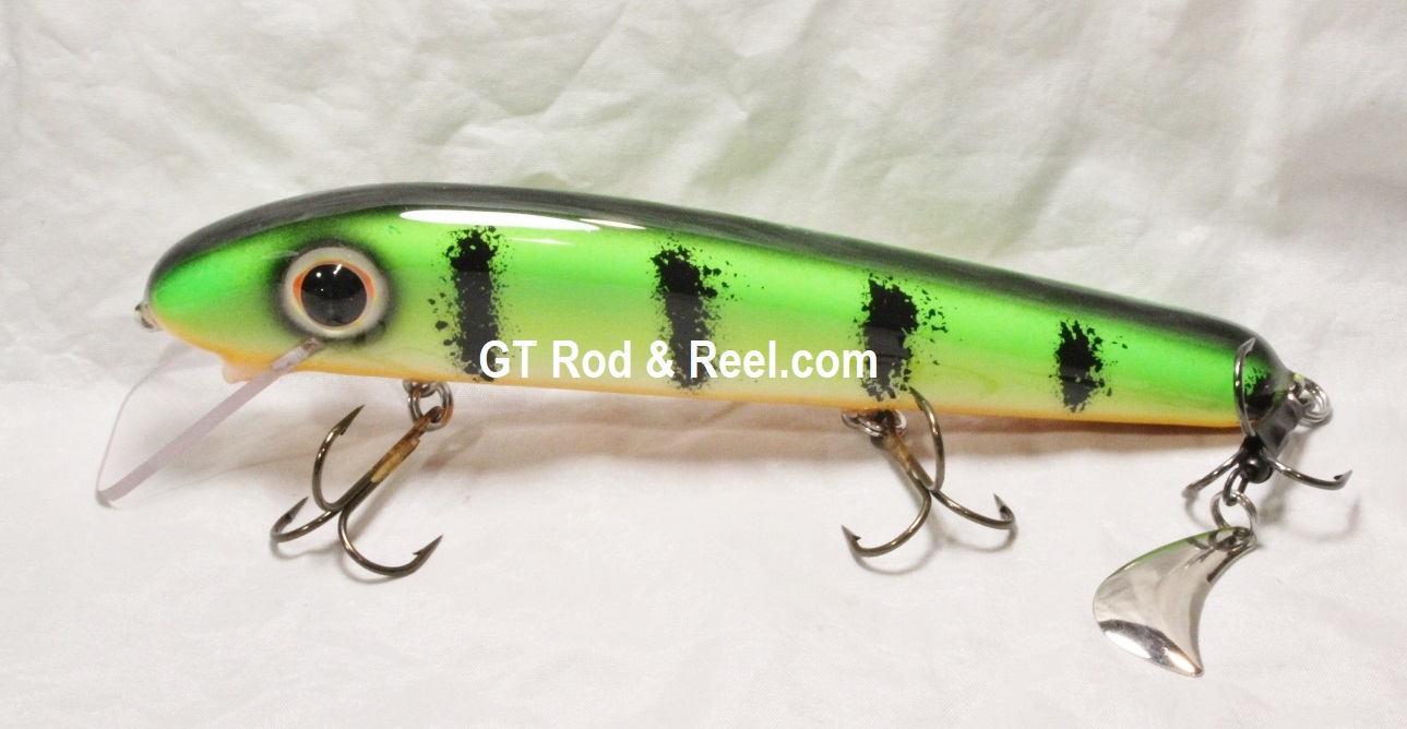 """Pearson Plugs 8"""" Minnow Shallow Diving with Hatchet Trailer  Color, Green Glow Perch"""