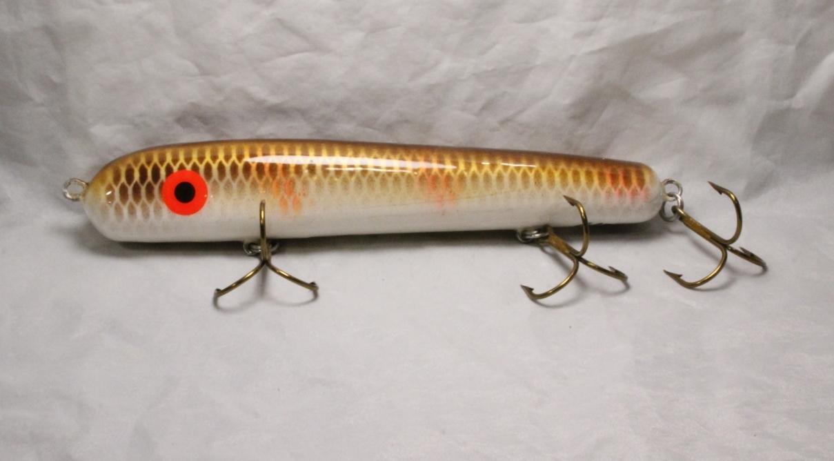 "Hilton & Hughey-----Cobb 8"" Roundnose with Rattle Orange Bar Walleye"
