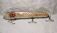 "Hilton & Hughey-----Cobb 8"" Roundnose with Rattle Brown Carp"